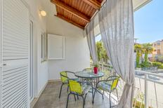 Holiday apartment 1176657 for 3 adults + 2 children in Poreč
