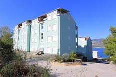 Appartement 1186598 voor 5 personen in Mastrinka