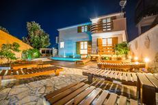 Ferienhaus 1198886 für 7 Erwachsene + 1 Kind in Pula