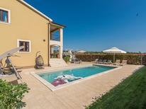 Vakantiehuis 1200661 voor 10 personen in Montizana