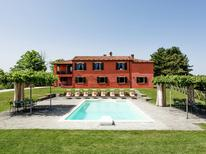 Vakantiehuis 1201049 voor 8 personen in Tredozio