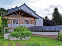 Vakantiehuis 1201878 voor 8 personen in Balesfeld