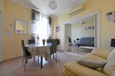 Holiday apartment 1204834 for 4 adults + 1 child in Nimes