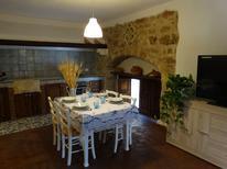 Ferienhaus 1208255 für 4 Personen in Pachino