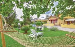Ferienhaus 1208328 für 6 Personen in Piano di Conca