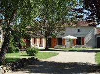 Vakantiehuis 1213387 voor 8 personen in Frontenay-sur-Dive