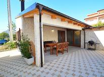 Maison de vacances 1214487 pour 2 personnes , Brodarica