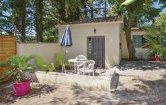 Ferienhaus 1215801 für 4 Personen in Crillon-le-Brave
