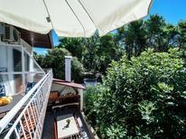 Appartement 1215959 voor 4 personen in Pakoštane