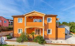 Ferienhaus 1221357 für 12 Personen in Ližnjan