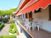 Appartement 1221969 voor 6 personen in Marina Di Massa