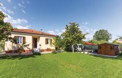 Ferienhaus 1222852 für 8 Personen in Marina Di Massa