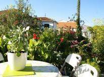 Appartement 1224055 voor 4 personen in Trogir