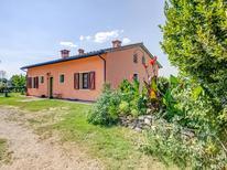 Vakantiehuis 1226461 voor 7 personen in Staffoli