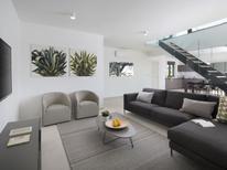 Appartement 1227013 voor 7 personen in Fažana