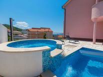 Ferienwohnung 1228719 für 6 Personen in Klenovica
