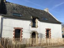 Vakantiehuis 1229114 voor 4 volwassenen + 6 kinderen in Saint-Gildas-de-Rhuys