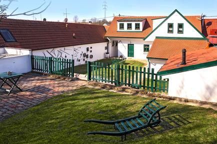 Villa 1236076 per 11 persone in Grub an der March