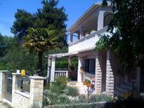 Ferienwohnung 1236548 für 4 Personen in Sveti Filip i Jakov