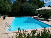 Ferienhaus 1237018 für 2 Erwachsene + 2 Kinder in Cotignac