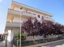 Appartement 1238998 voor 6 personen in Alba Adriatica