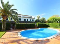 Villa 1239940 per 8 persone in Cambrils