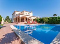 Ferienhaus 1240149 für 14 Personen in Sant Pere Pescador