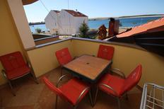 Appartement 1240502 voor 5 personen in Povljana
