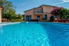 Ferienwohnung 1240802 für 7 Personen in Ližnjan