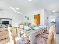 Vakantiehuis 1240972 voor 4 personen in Dramalj
