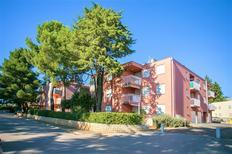 Ferienwohnung 1241121 für 4 Personen in Novigrad