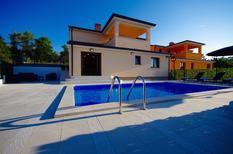 Ferienhaus 1246054 für 8 Personen in Radmani