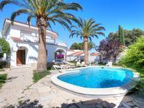 Ferienhaus 1246504 für 8 Personen in Pinós de Miramar