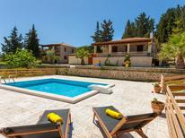 Vakantiehuis 1247509 voor 4 personen in Vasilikos