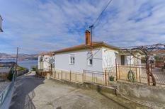 Appartamento 1253710 per 5 persone in Okrug Gornji