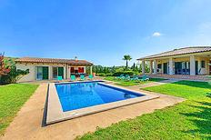 Ferienhaus 1254093 für 9 Personen in Port de Pollença