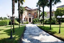 Semesterhus 1260153 för 8 personer i Desenzano del Garda