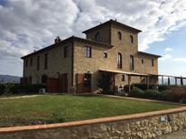 Vakantiehuis 1261031 voor 8 personen in Volterra