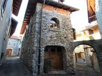 Ferienhaus 1263001 für 5 Personen in Castelveccana