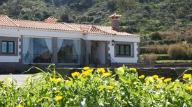 Holiday home 1263400 for 6 adults + 2 children in Vega de San Mateo