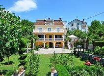 Appartement 1264146 voor 2 personen in Mihotići