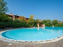 Ferienhaus 1264430 für 6 Personen in Polpenazze del Garda