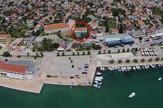 Appartamento 1267616 per 7 persone in Pirovac