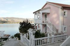 Rekreační byt 1269656 pro 3 osoby v Arbanija