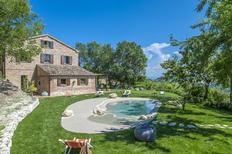 Casa de vacaciones 1270118 para 13 personas en Montefelcino