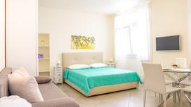 Studio 1270992 for 2 adults + 1 child in Toscolano-Maderno