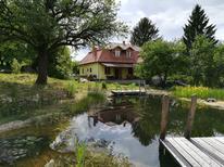 Casa de vacaciones 1273360 para 9 adultos + 1 niño en Csernely