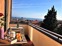 Ferienwohnung 1273611 für 5 Personen in Desenzano del Garda