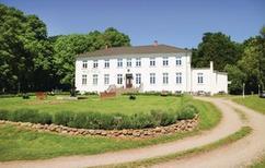 Ferienwohnung 1273736 für 2 Erwachsene + 1 Kind in Klein Strömkendorf