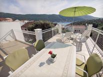 Appartement de vacances 1275435 pour 5 personnes , Grebastica